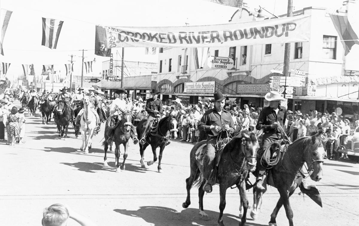 Prineville parade ca. 1947A